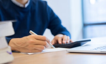5 things to consider when researching outsourced payroll providers